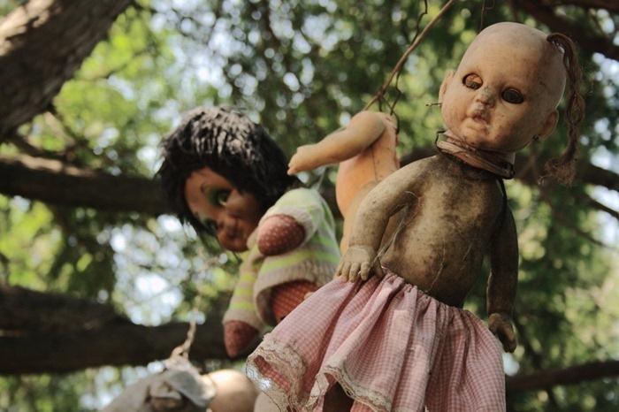 Кошмарные куклы на острове