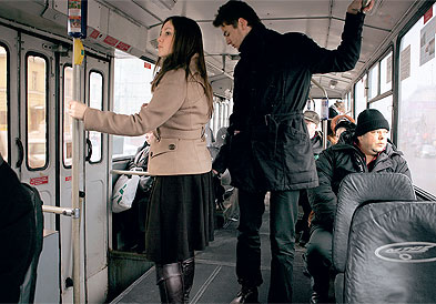 Девушка в троллейбусе