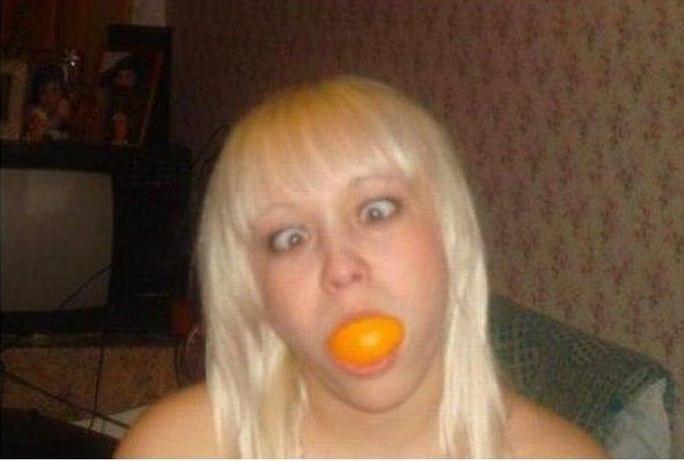 Уберите плиз этот мандарин